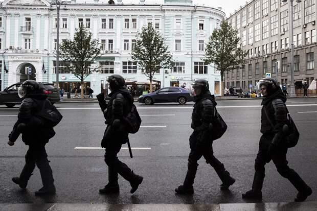 Попытка разыграть белорусский сценарий: эксперты о перспективах протеста в России