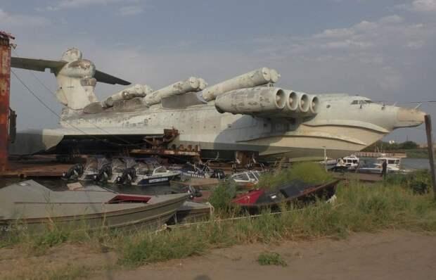 Заброшенные советские секретные объекты и уникальная техника