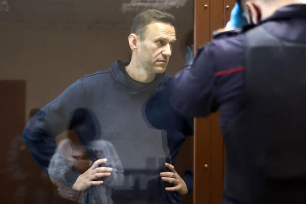 Прокурор расплакалась, зачитывая показания оскорблённого Навальным ветерана