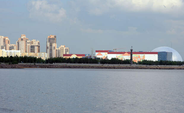 DSC 52641 Нефасадный Петербург: вид с воды