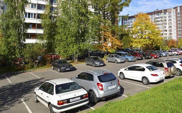 Верховный суд спас парковки во дворах