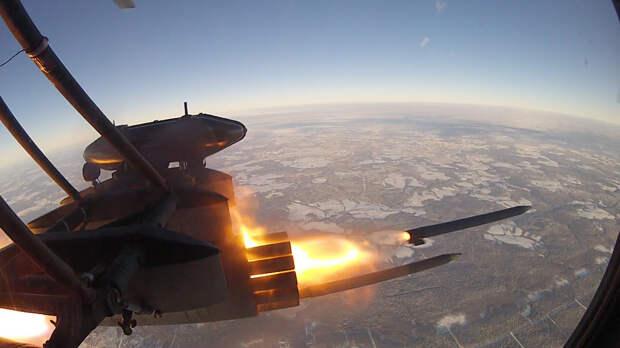 """Маленькая """"Катюша"""": военный историк оценил мощь российской ракеты """"Бронебойщик"""""""