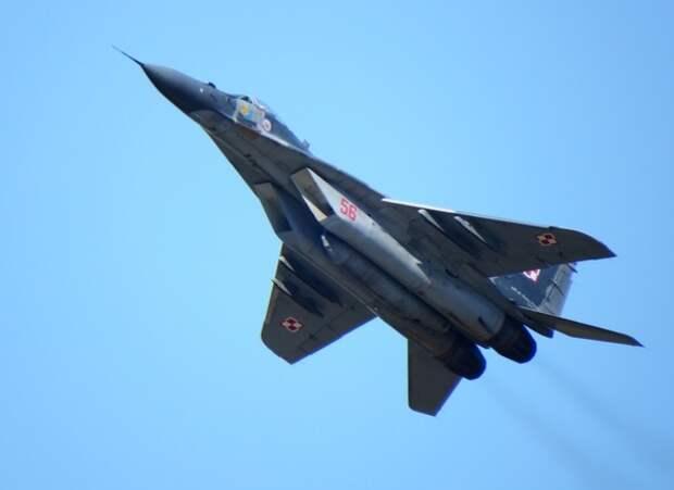Пилоты НАТО пили водку и жарили шашлыки после учений на МиГ-29 и Су-22