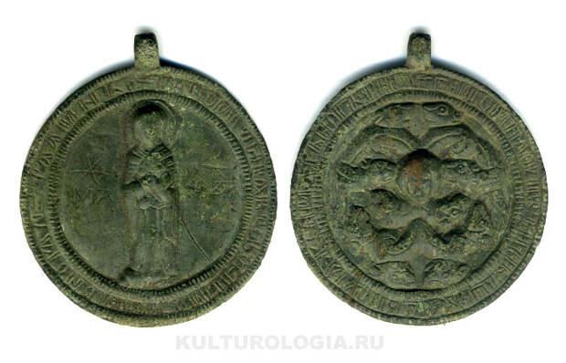 Древнерусская иконка-змеевик с изображением Богоматери, XII век.