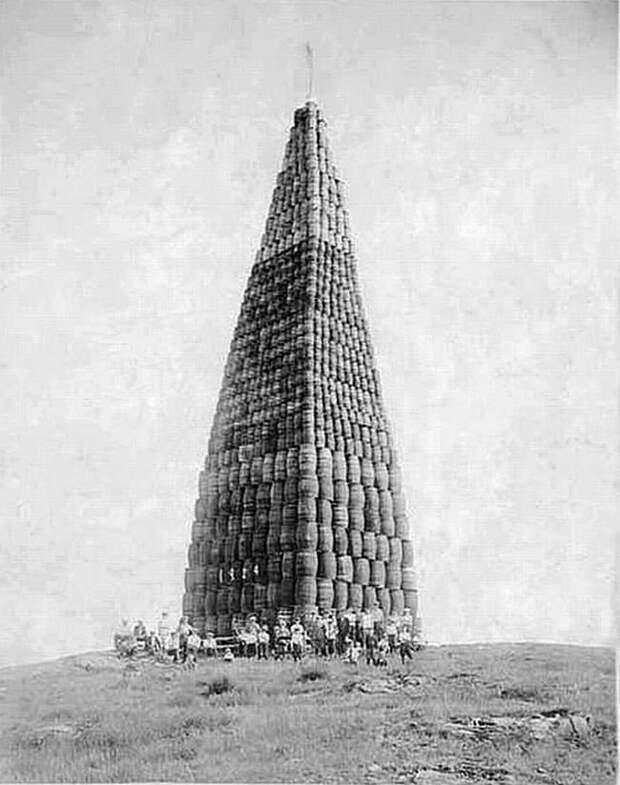 Бочки со спиртным, приготовленные к уничтожению во времена Сухого закона в США Весь Мир, история, фотографии