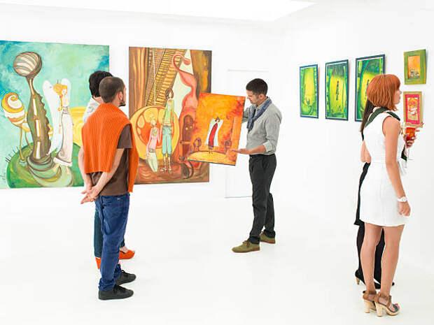 Посетители выставки/Фотобанк