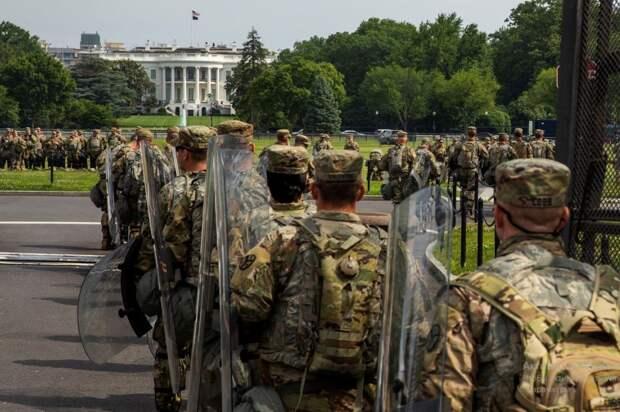 Байден наращивает число Нацгвардейцев в Вашингтоне