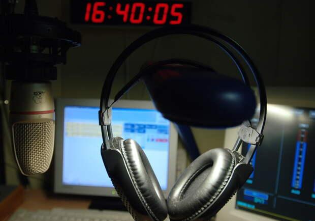 Не день Радио. Агентство по страхованию вкладов банкротит «Радио Эрмитаж», принадлежащее семье банкиров Бажановых