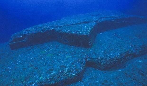 Японская Атлантида или кто создал подводные пирамиды Йонагуни?