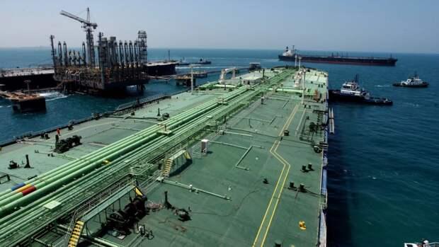 Эр-Рияд виюне наполовину сокращает поставки нефти вСША иЕвропу