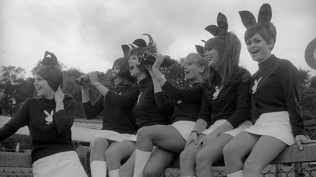 Модели Playboy на благотворительных скачках. Великобритания, 1967 год
