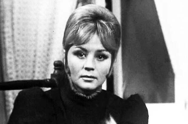 Татьяна Егорова в фильме «Когда море смеётся», 1971 г.