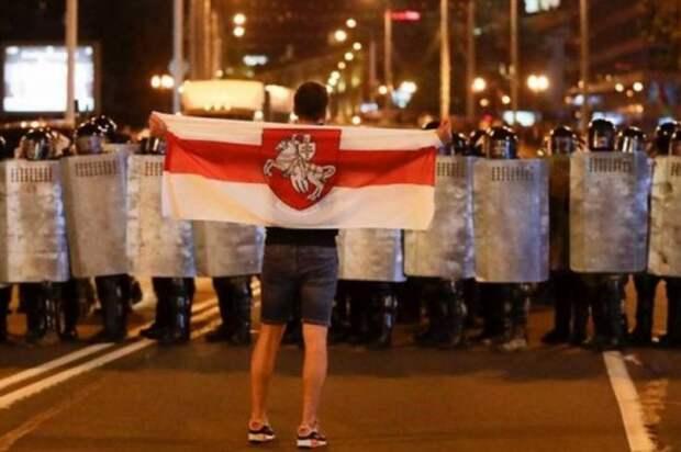 В Минске для разгона протестующих пустили в ход водометы