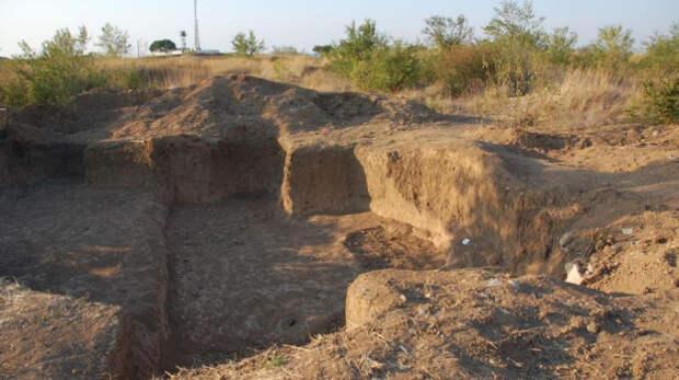 Украина требует остановить археологические раскопки в Крыму