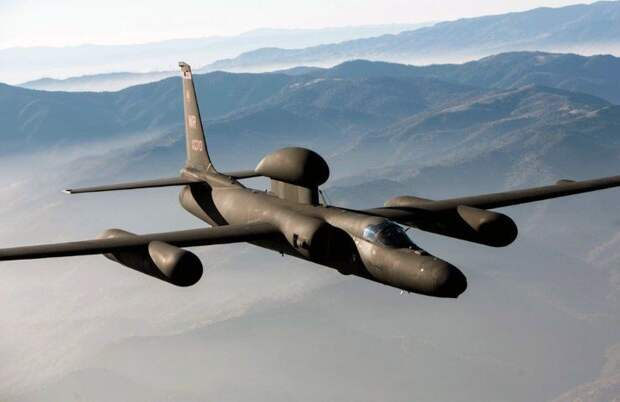 Китай ответил ракетами на приближение самолета-разведчика США к границам - Bloomberg