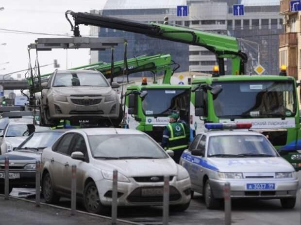 В Москве предложили оповещать водителей об эвакуации по СМС