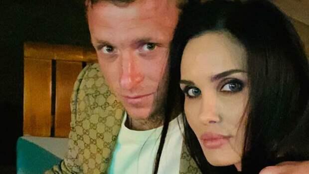 Павел и Алана Мамаевы развелись после восьми лет брака