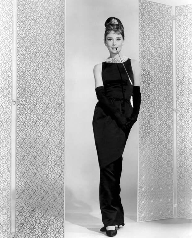 Audrey Hepburn, Breakfast at Tiffany's (1961) starring George Peppard