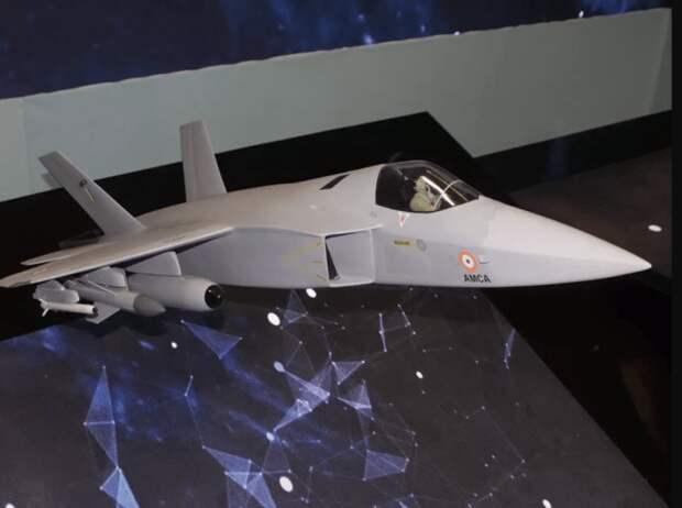 На авиасалоне в Индии заметили частично скопированный индусами Су-57