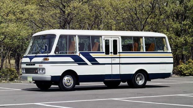 Mazda Parkway Rotary 26: очень редкий люксовый автобус с роторным двигаталем