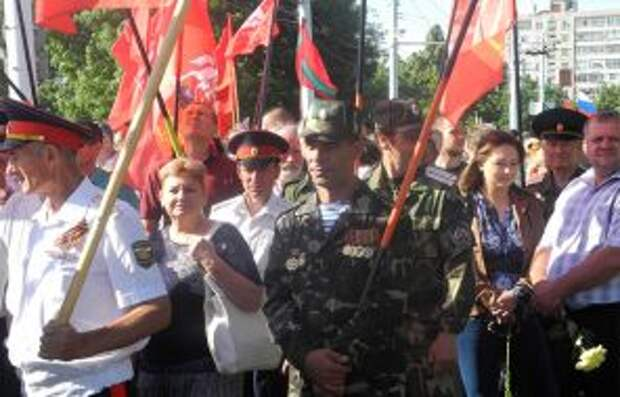 На фото: в Приднестровье готовы защищать свою независимость от Кишинева с оружием в руках, как это сделали тридцать лет назад