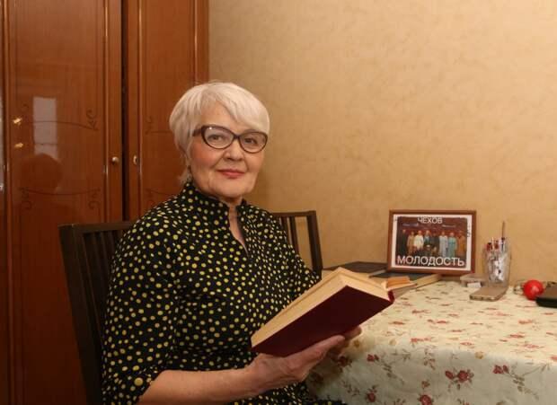 Пенсионерка из Марьина в 71 год сыграла чеховскую Раневскую