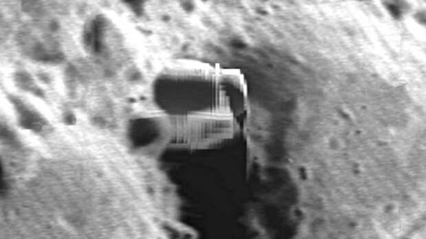 На Луне обнаружен еще один город инопланетян: фото