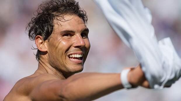 Надаль в трех сетах обыграл Нисикори и вышел в четвертьфинал турнира в Барселоне