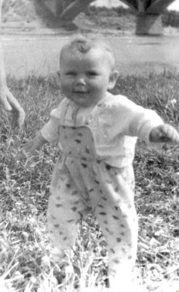 Детские и юношеские фотографии Юрия Клинских.