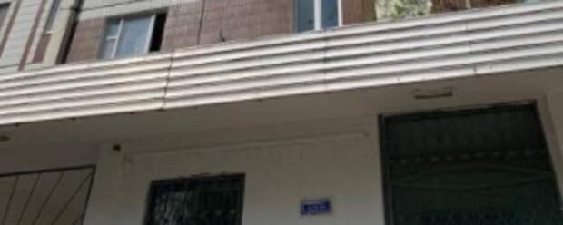 Изменение козырька подъезда дома по 3-ему Митинскому переулку может стать не безопасным для граждан — Жилищник