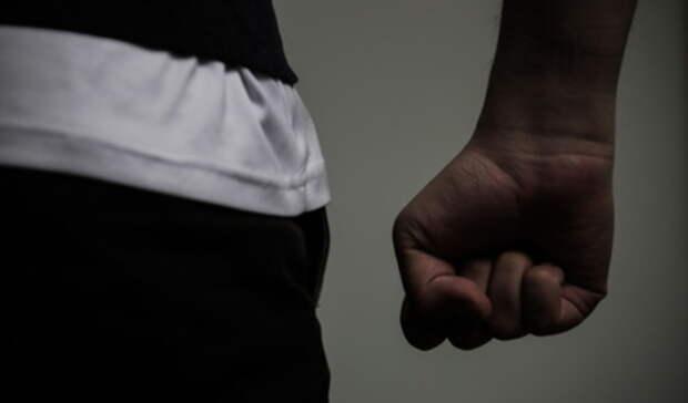 Избиение активиста ипреследование ухажером. Итоги дня вСвердловской области
