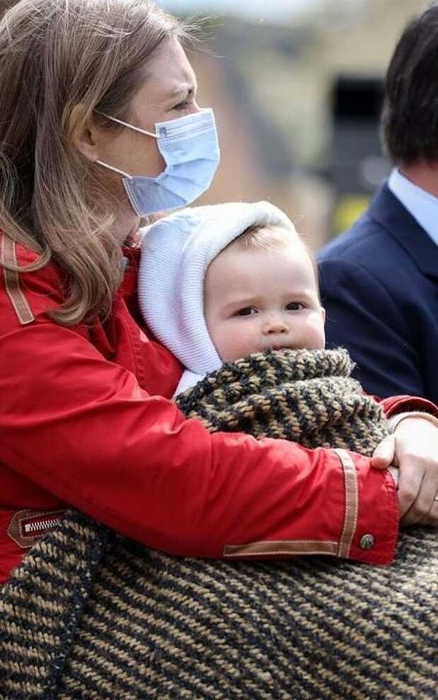 Наследный принц Люксембурга Гийом и принцесса Стефания посадили дерево в честь дня рождения сына