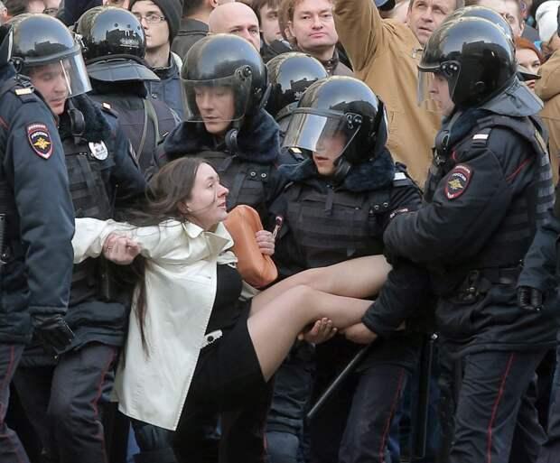 Что на самом деле произошло в Москве в минувшие выходные 26.03.2017 ( Стариков Н.В.)
