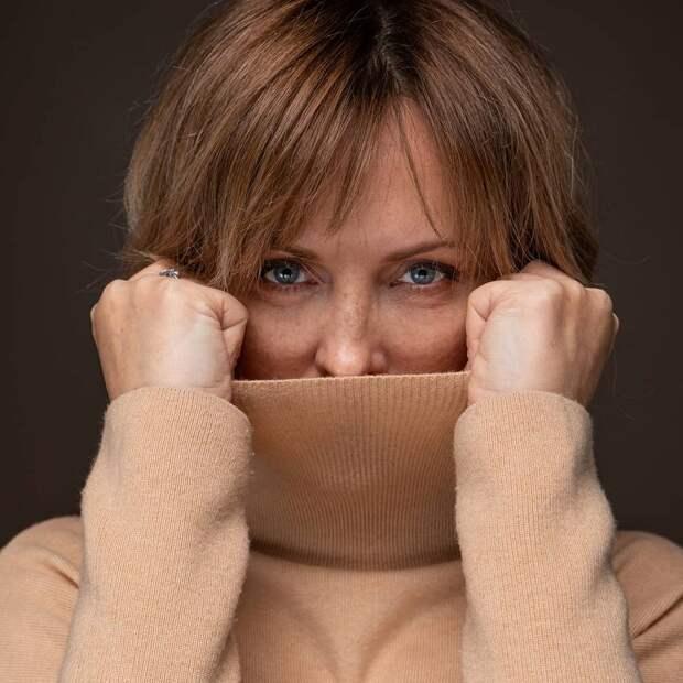 «Я не буду агитировать носить маски, я в них не верю»: Елена Ксенофонтова госпитализирована с двусторонней пневмонией