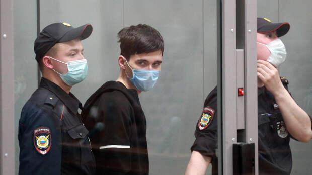 Отца устроившего стрельбу в Казани обвинили в безразличии к учебе сына