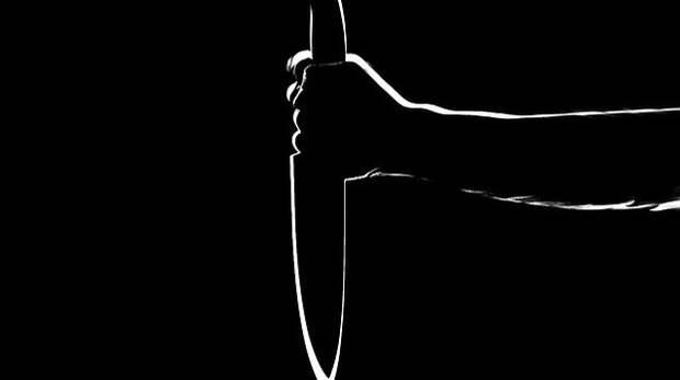 В Севастополе мужчина напал с ножом на прохожего