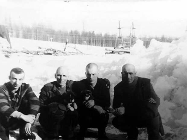 Второй слева: Владимир Бабушкин — Васька Бриллиант