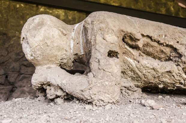 В Геркулануме раскопали останки римского офицера-спасателя