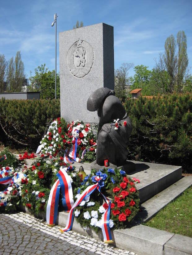 Прага, Олшанское военное кладбище, 09.05.2021