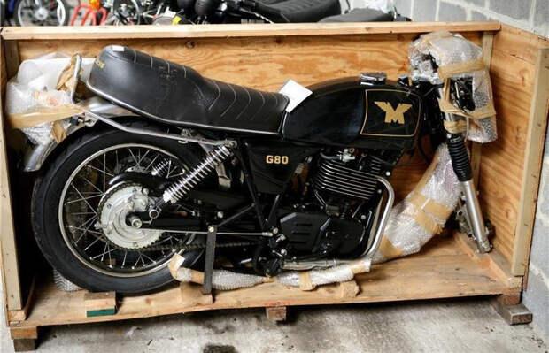 Matchless G80 оснащался 500-кубовым 1-цилиндровым мотором Rotax