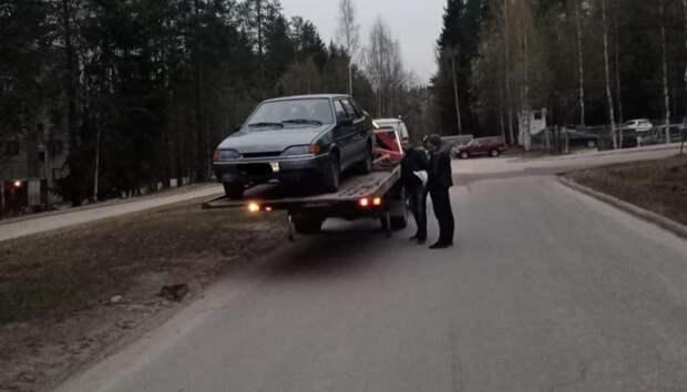 Автомобиль пьяного водителя эвакуирован в Костомукше