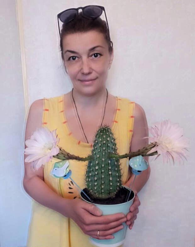 Подобранный с улицы кактус отблагодарил жительницу с Игарского букетом цветов