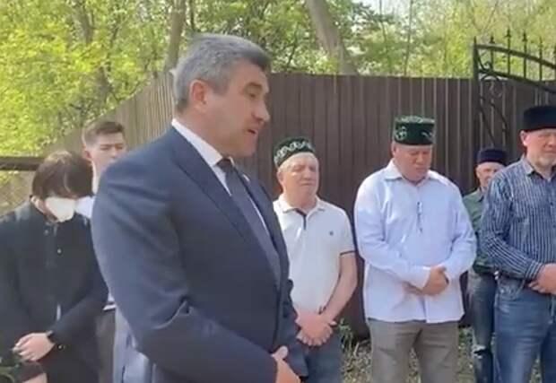 Министр образования Татарстана попросил прощения у погибшей 11 мая в школе учительницы