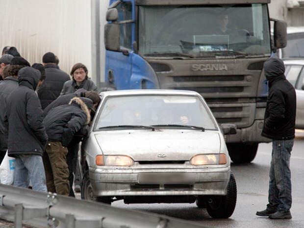 """""""Голодные и безработные"""": беды мигрантов стали нашими проблемами"""