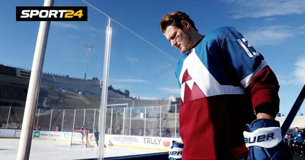 Матч НХЛ «Колорадо» — «Вегас» на озере Тахо прервали из-за растаявшего льда