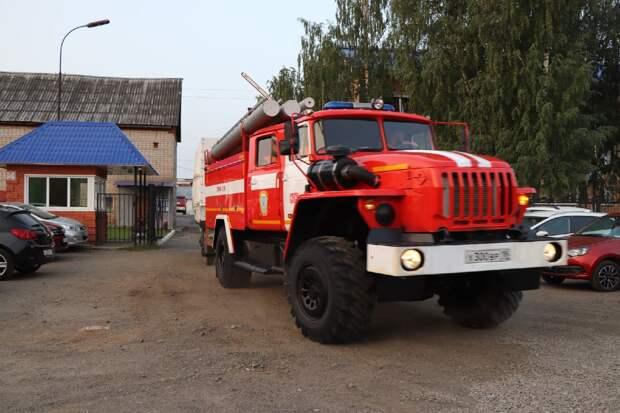 Пожарные Удмуртии отправились в Мордовию для тушения пожара в заповеднике