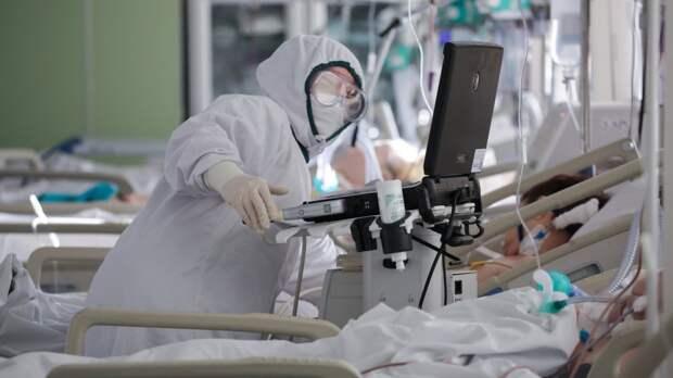 Количество новых случаев заражения COVID-19 в России снизилось