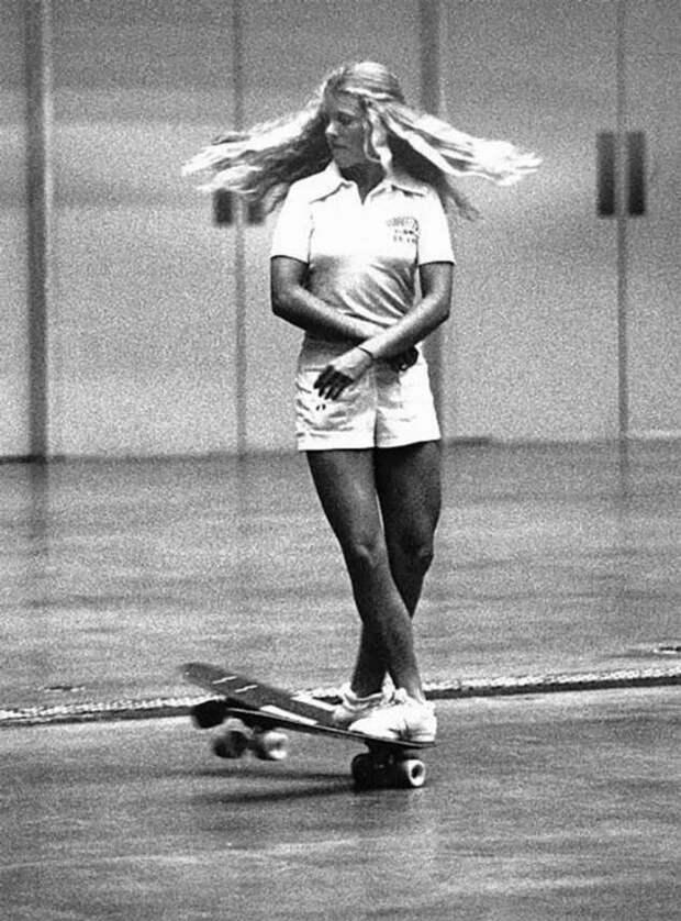 Самая сексуальная скейтбордистка из 70-ых (20 фото + 1 видео)