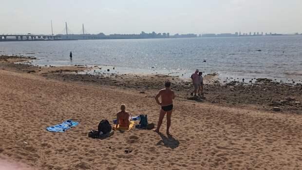 Городские пляжи Петербурга начнут принимать отдыхающих в первый день лета