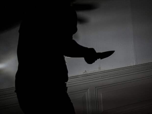 На школьницу в Петербурге напал мужчина с ножом